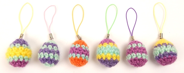 Mini Egg Charms by Moji-Moji design - free pattern