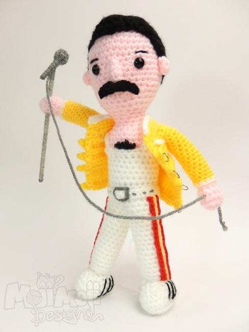 Freddie-Mercury-by-Moji-Moji-design