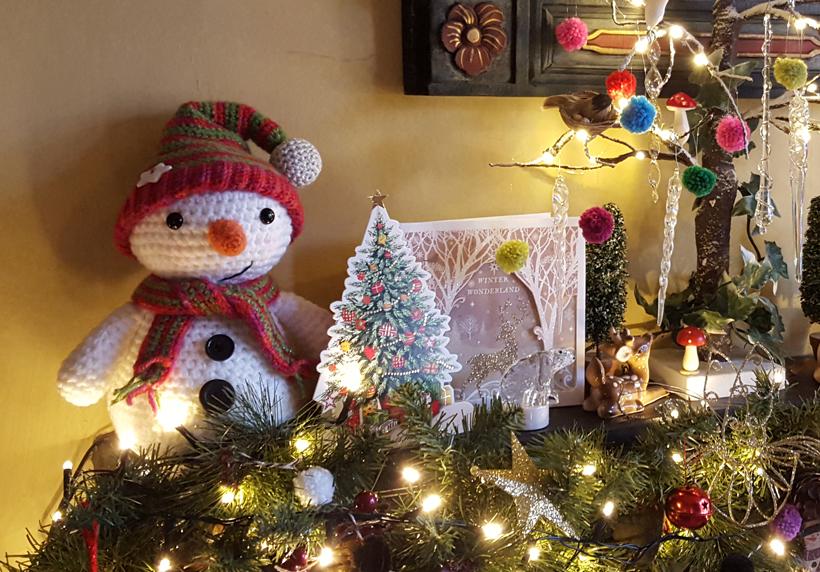snowman-mantel